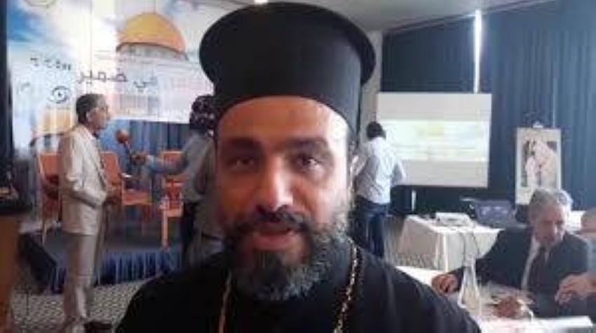 الأب إلياس عواد الرئيس الروحي لكنائس الروم الأرثوذكس في محافظة رام الله. (الرؤية)