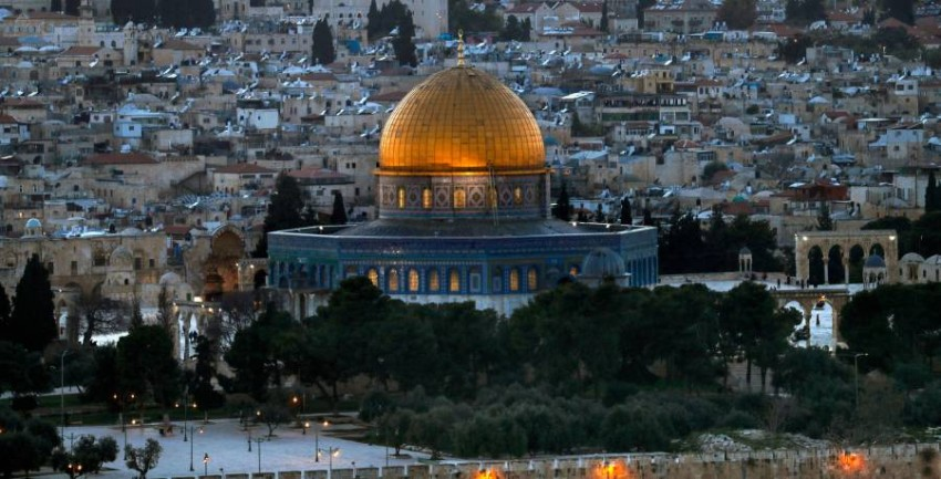 A general view taken on April 5, 2021, from the Mount of Olives shows Jerusalem's Old City with the Dome of the Rock in the al-Aqsa mosque compound. (Photo by AHMAD GHARABLI / AFP)