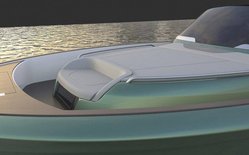 solaris-power-44-open-first-look-new-yachts-foredeck-920x575