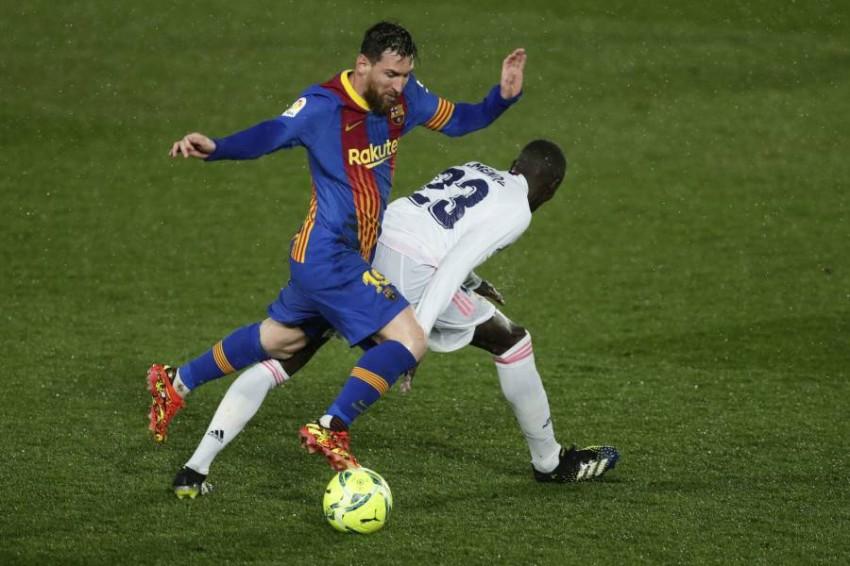 من مباراة ريال مدريد وبرشلونة. (أ ب)