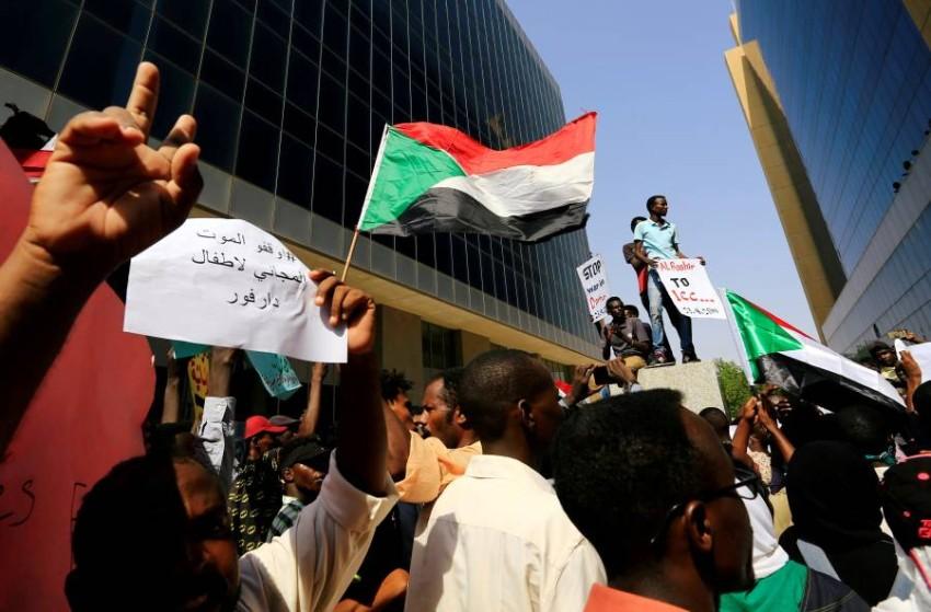 الجلسة بحثت تداعيات أحداث دارفور على الوضع الأمني والإنساني. (رويترز)