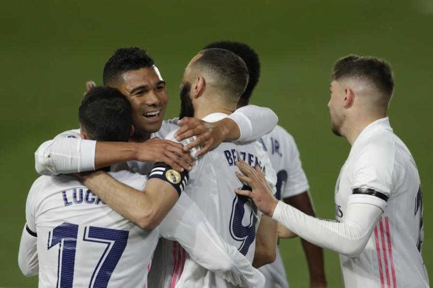 ريال مدريد وفرحة الانتصار في الكلاسيكو. (أ ب)