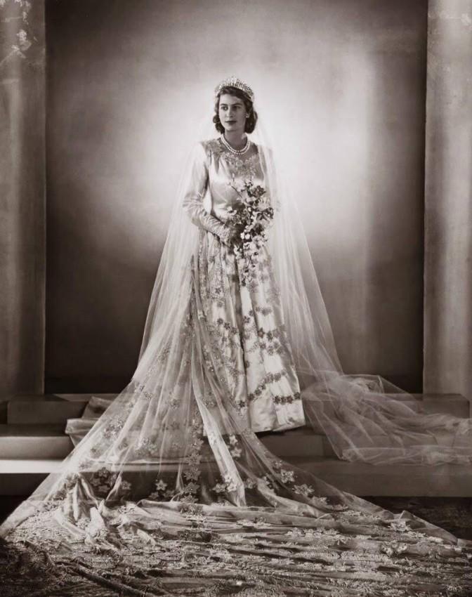 تاج الملكة اليزابيث
