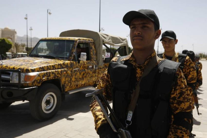 عناصر تابعة لميليشيات الحوثي. (أي بي أيه)