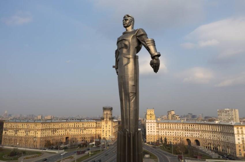 تماثيل غاغارين.. أحد أشهر معالم موسكو. (أ ب)