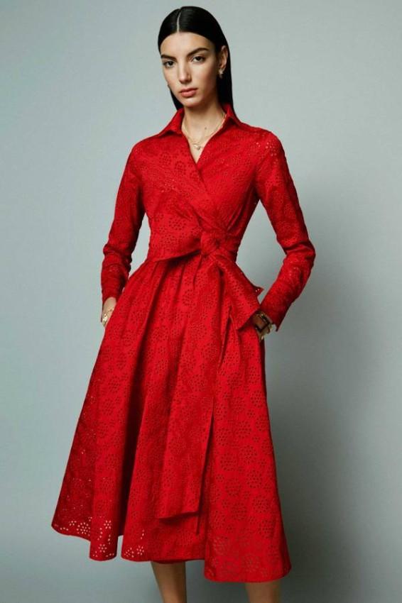 الفساتين المزركشة من كارولينا هيريرا