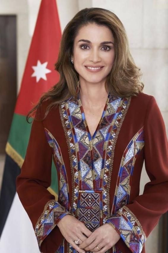 الملكة رانيا تتمتع بذوق رفيع في الأزياء