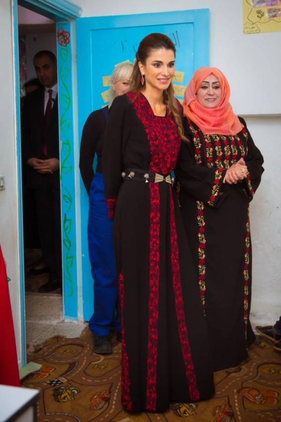 الملكة رانيا خلال إحدى زياراتها
