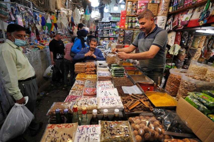 يستقبل نحو 40 مليون عراقي شهر رمضان بقلق - أ ف ب.