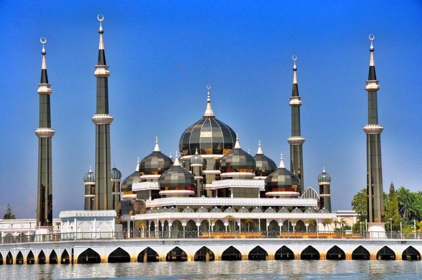 مسجد الكريستال في ماليزيا