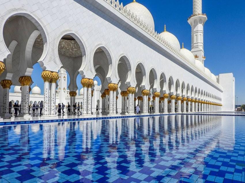 جمال العمارة في Sheikh Zayed Grand Mosque