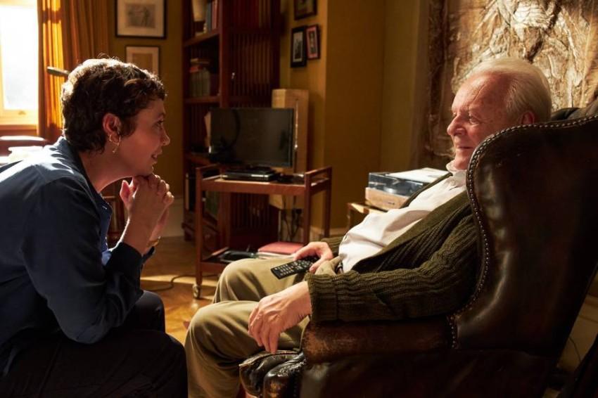 هوبكنز وكولمان في لقطة من الفيلم