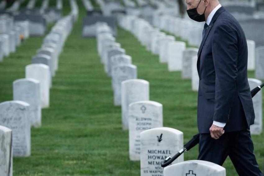 بايدن في المقابر الوطنية لضحايا حرب أفغانستان. (أ ف ب)