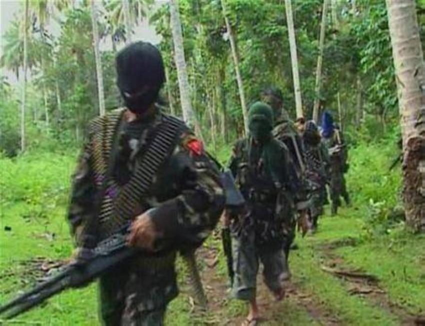 مسلحون من جماعة «أبوسياف». (رويترز)