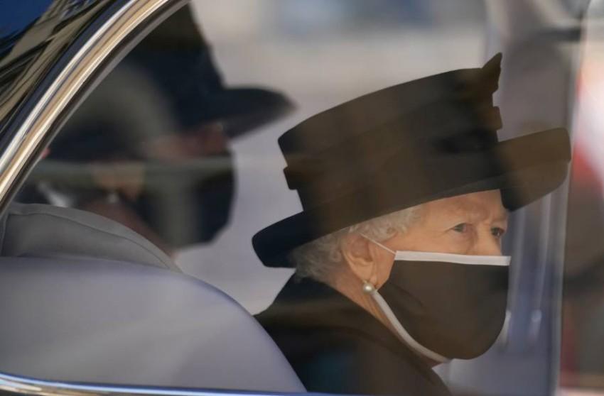 الملكة لا تعتزم الظهور في أي مناسبة بمفردها - رويترز.
