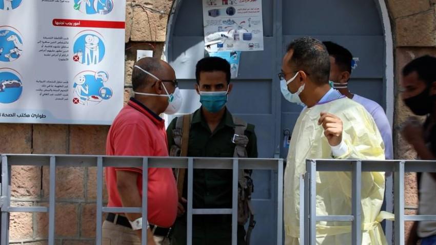 مصابو كورونا في تعز مهددون بالموت بسبب نقص الأوكسجين/ صور خاصة بالرؤية (تصوير: خليل المجيدي)