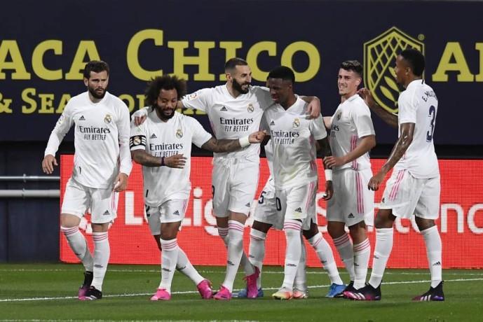 فرحة لاعبي ريال مدريد. (أ ب)