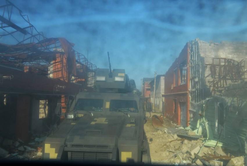 المعبر كان مغلقاً أمام شحنات المساعدات الإنسانية بسبب مخاوف أمنية. (رويترز)