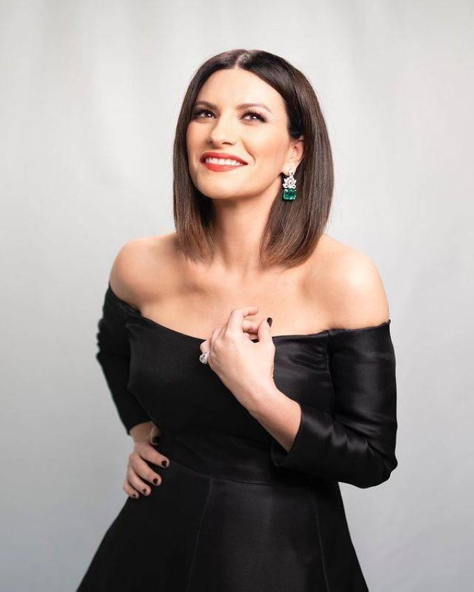 Laura Pausini بمجوهرات بلغاري