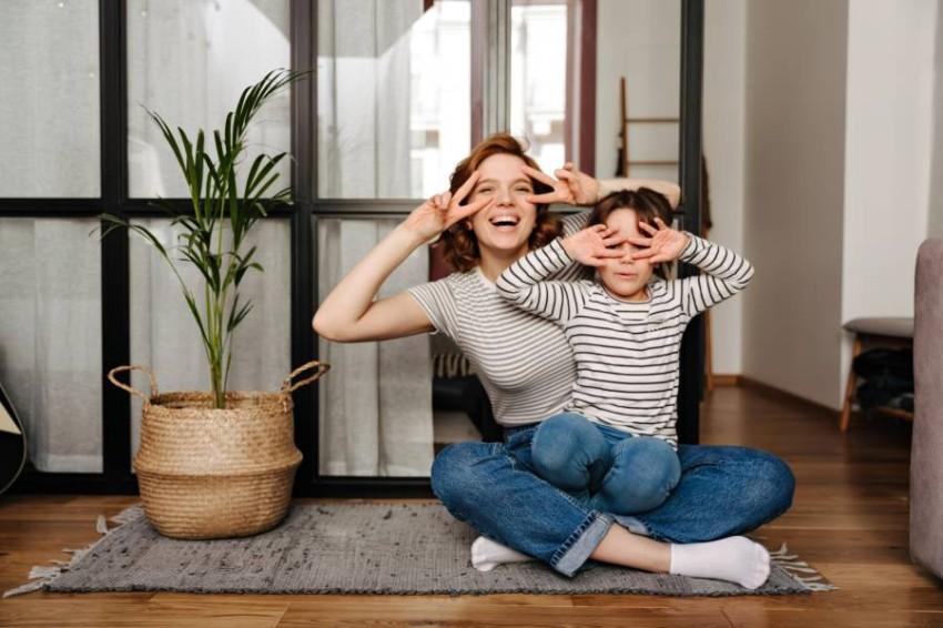 5 أمور تفعلينها كل يوم تصنع فارقاً بصحة طفلكِ النفسية