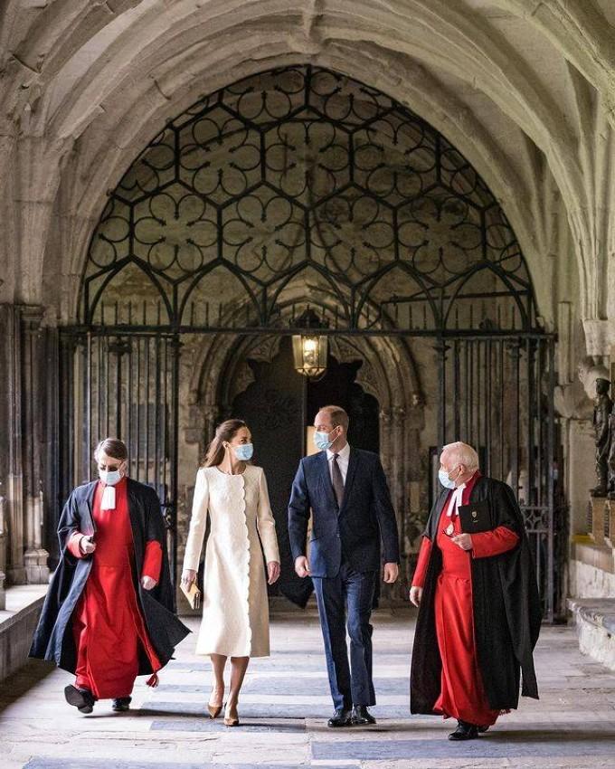 كيت ميدلتون والأمير ويليام خلال زيارتهما إلى كنيسة Westminster Abbey
