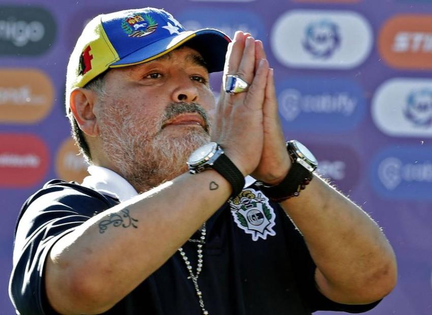 الأسطورة الراحل مارادونا. (أ ف ب)