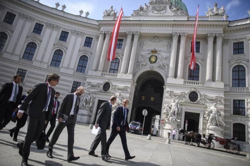 يحضر وفد أمريكي في العاصمة النمسوية من دون الجلوس إلى طاولة واحدة مع الوفد الإيراني - رويترز.