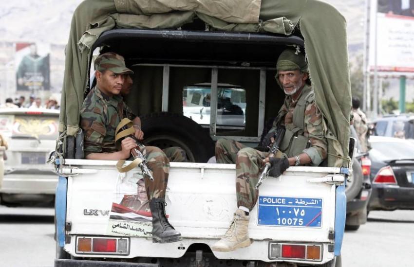 عناصر تابعة لميليشيات الحوثي في صنعاء. (إي بي أيه)