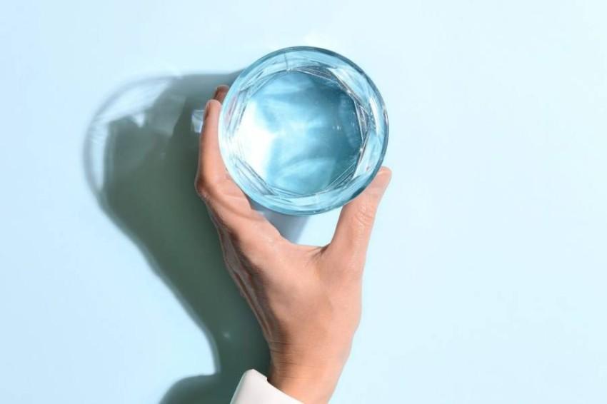 علامات تشير إلى أنك تشرب الكثير من الماء