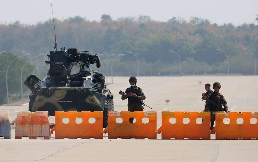 قوات عسكرية تابعة لجيش ميانمار. (رويترز)