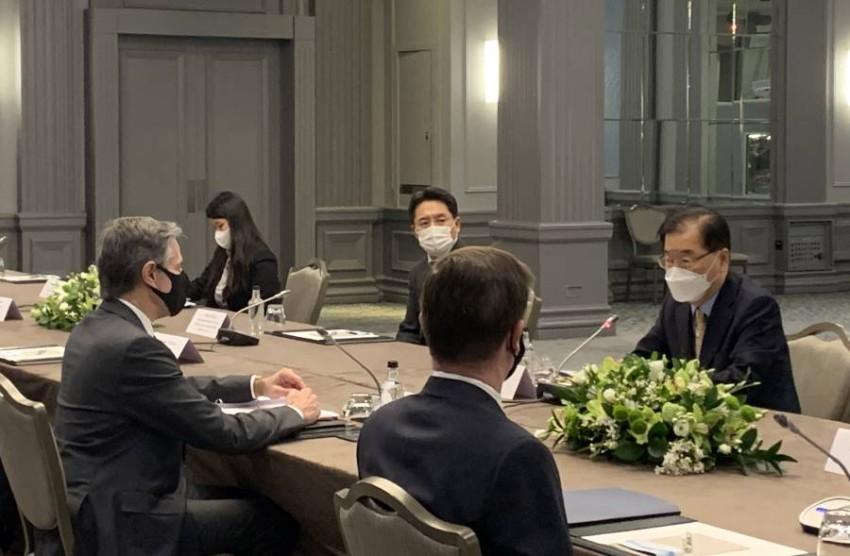 وزيرا خارجية كوريا الجنوبية وامريكا يجتمعون قبيل مناقشات مجموعة السبع في لندن.(أي بي أيه)