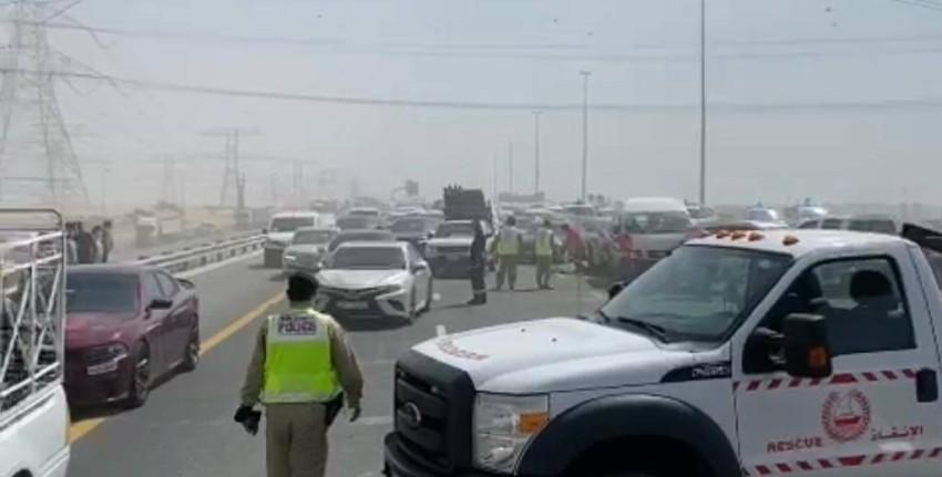 تصادم 34 مركبة على شارع الإمارات. (من المصدر)