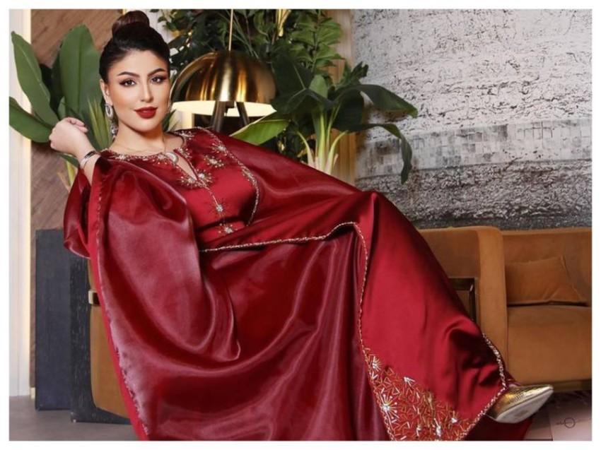 العباية باللون الأحمر من دانا الطويرش