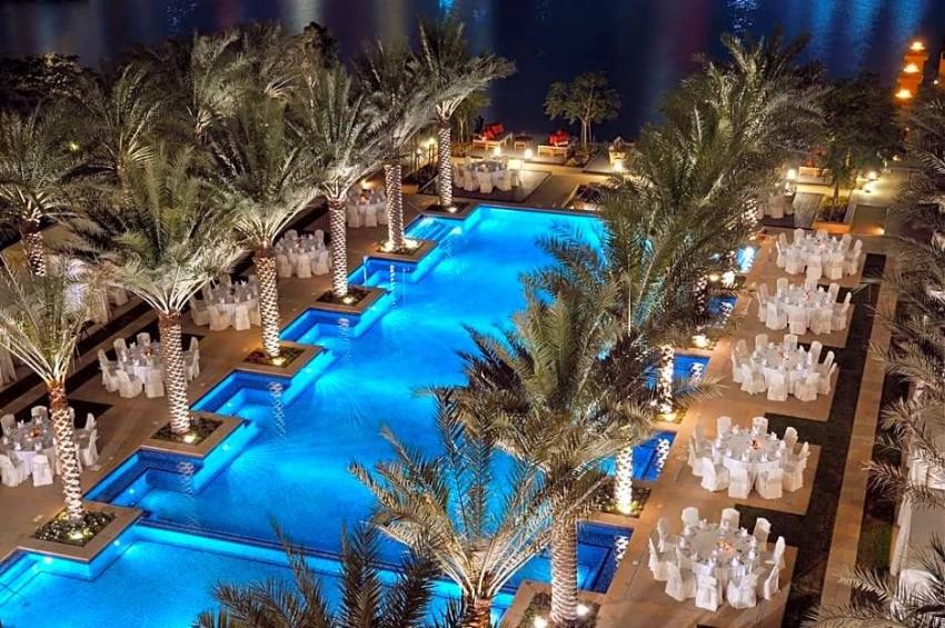 مسبح فندق القصر