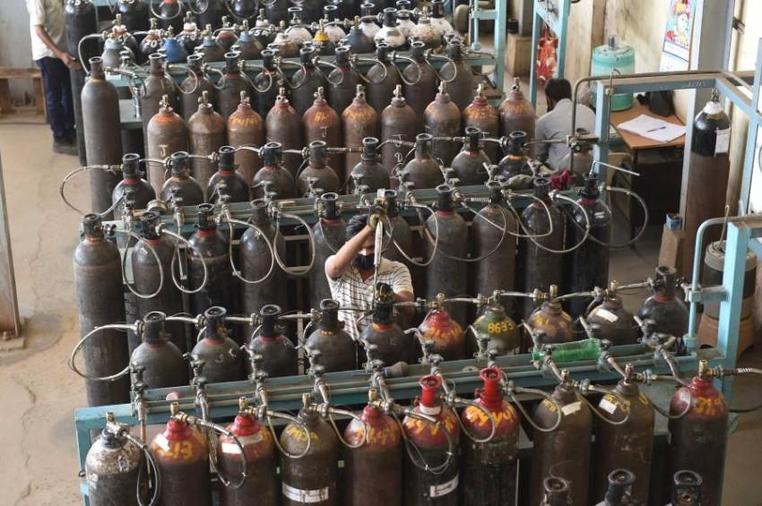القوة عثرت على كمية من أسطوانات الأكسجين المفخخة - أ ف ب.
