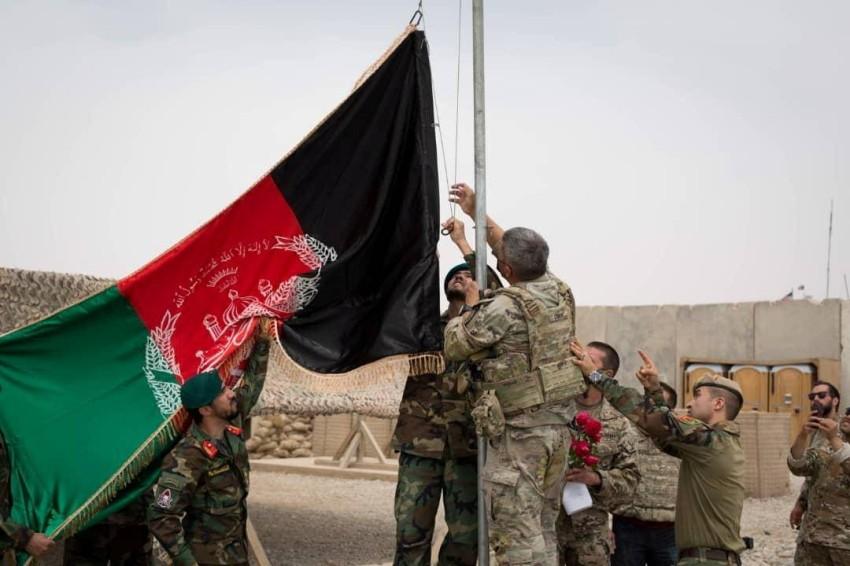 مراسم تسليم معسكر أنتونيك من الجيش الأمريكي إلى القوات الأفغانية.(رويترز)