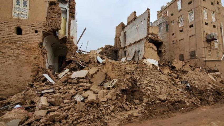 جانب من الدمار الذي خلفته الفيضانات في حضرموت. (أ ف ب)