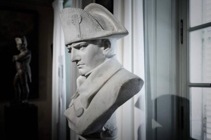 فرنسا تحيي ذكرى مرور 200 عام على وفاة نابليون - أ ف ب