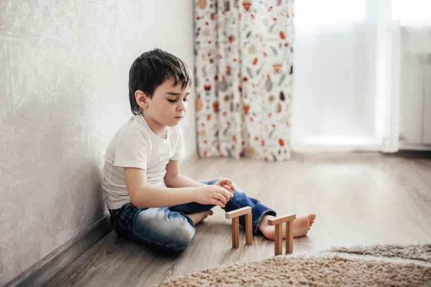 كيف تحث طفلك على الحديث؟