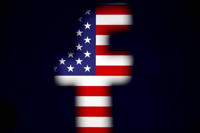 يستخدم حوالي 60% من الناخبين فيسبوك بشكل يومي - رويترز.