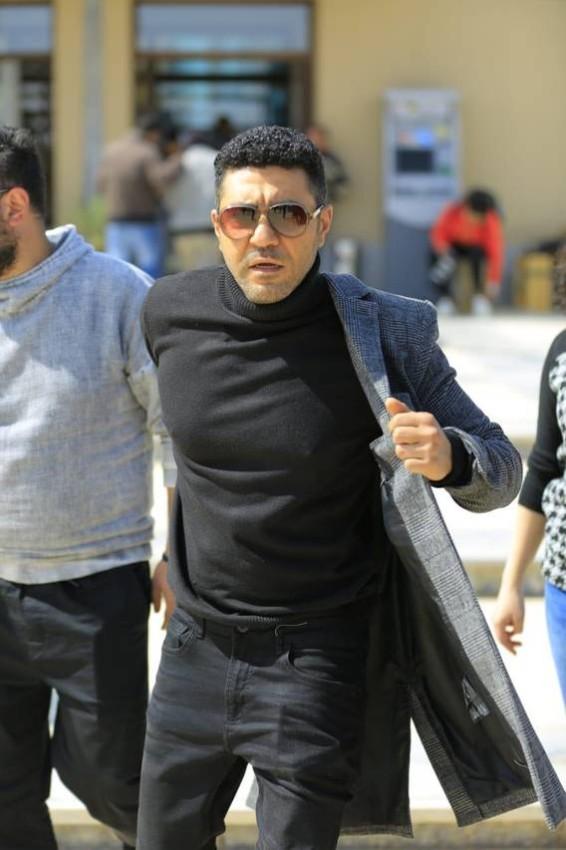 محمد عز في الكواليس