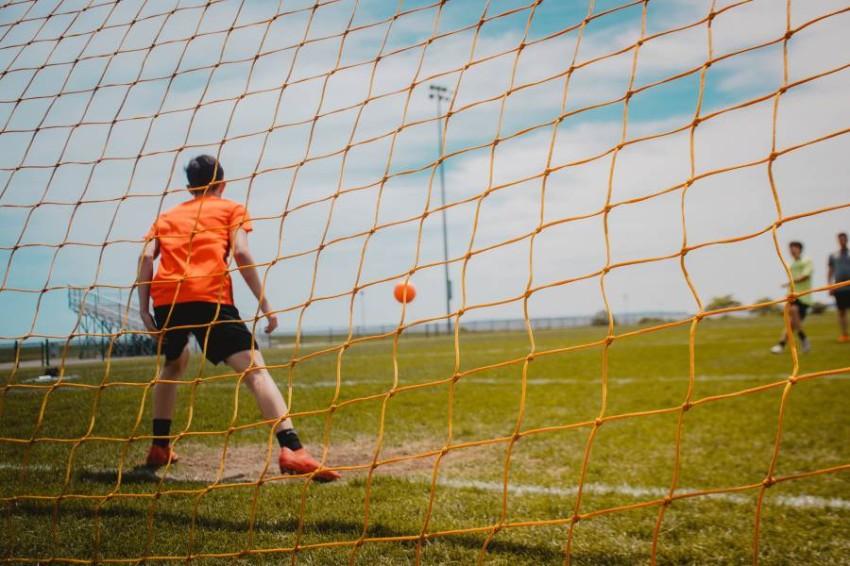 لماذا يفشل بعض لاعبي كرة القدم في تسديد ضربات الجزاء؟