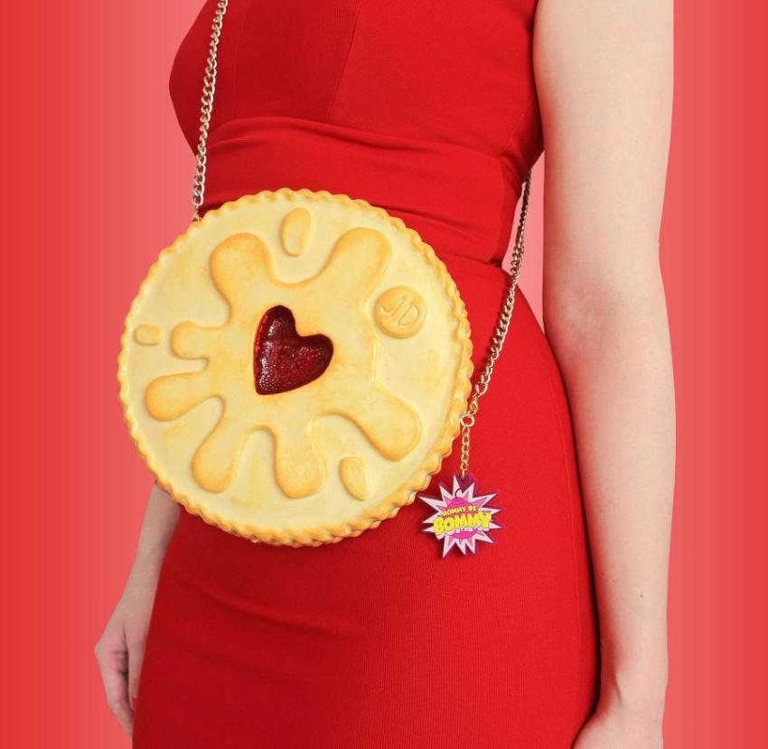حقيبة على شكل حلوى