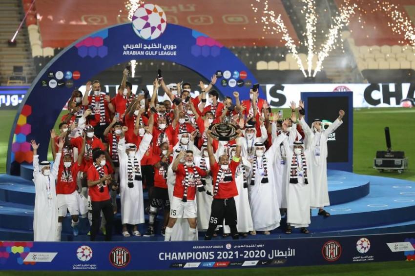 تتويج الجزيرة بدرع دوري الخليج العربي. (تصوير محمد بدرالدين)