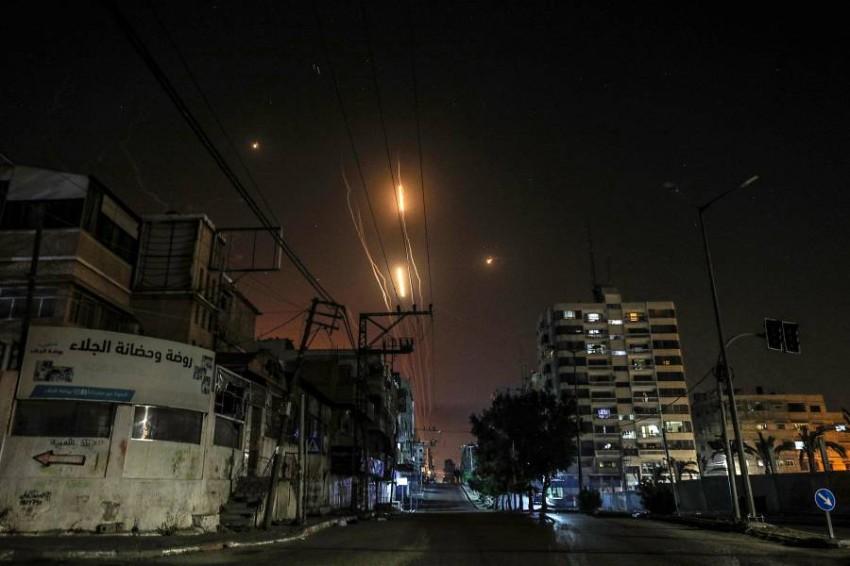 صواريخ أُطلقت من غزة باتجاه إسرائيل. (إي بي أيه)