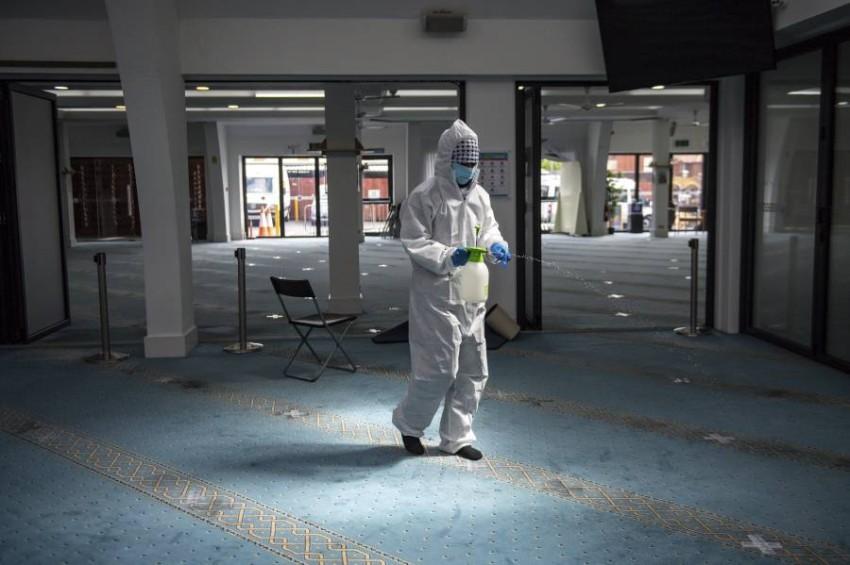 أكثر من 3 ملايين راحوا ضحية الفيروس حول العالم. (أ ب)