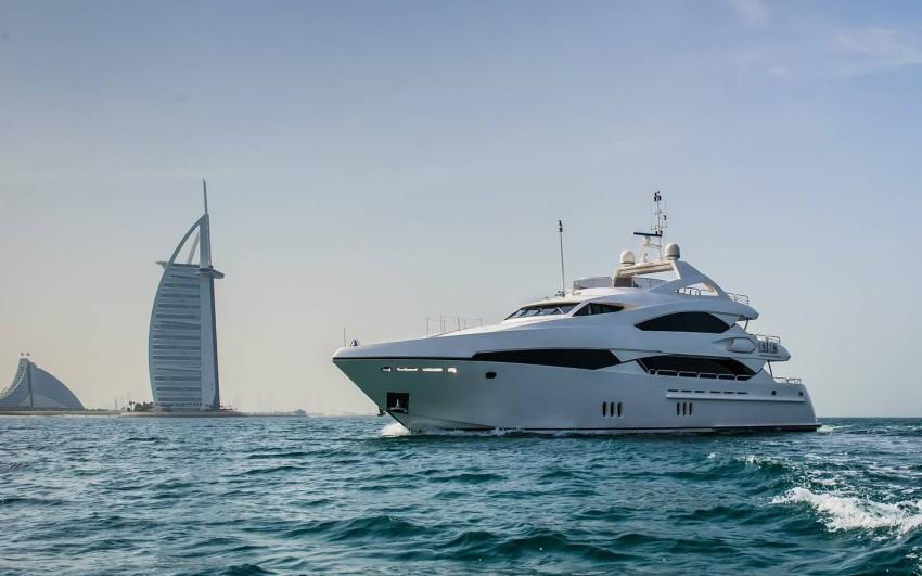 رحلة بحرية باليخوت في دبي مارينا