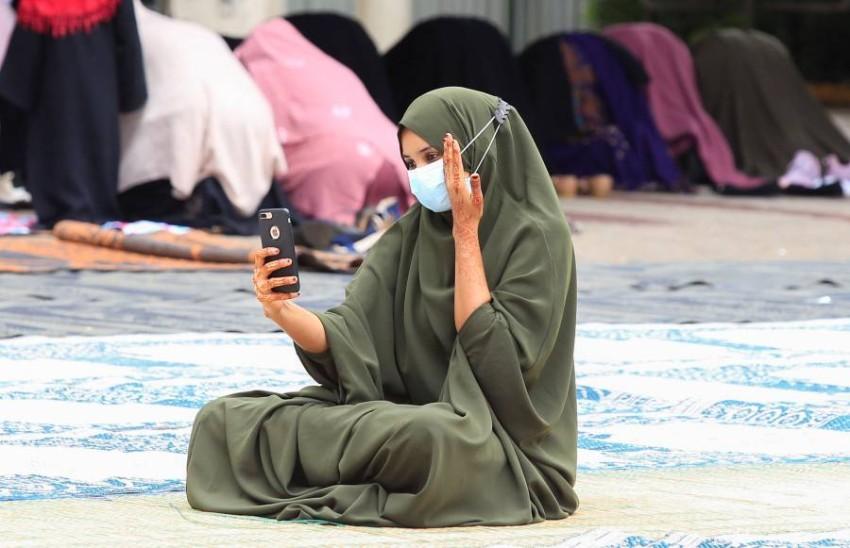 صورة من زينة العيد من ساحة مسجد في نيروبي. (رويترز)