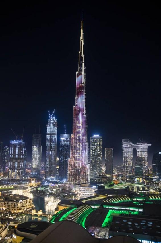 برج خليفة يهنئ الأمة الإسلامية بعيد الفطر. (تصوير: عيسى البلوشي)
