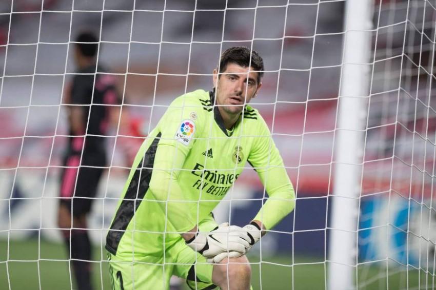 تيبو كورتوا حارس مرمى ريال مدريد. (أ ف ب)